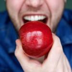 Pozor! 12 vrst sadja in zelenjave z največ pesticidi