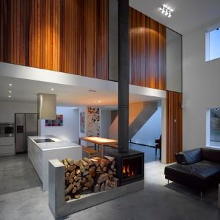 The Long House, Winchester, United Kingdom. Architect: Dan Brill Architects, 2012.